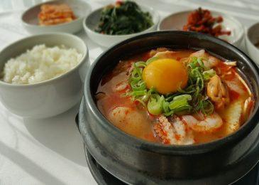 Đậu phụ hầm cay – Món ăn đường phố hấp dẫn nhất tại Daegu